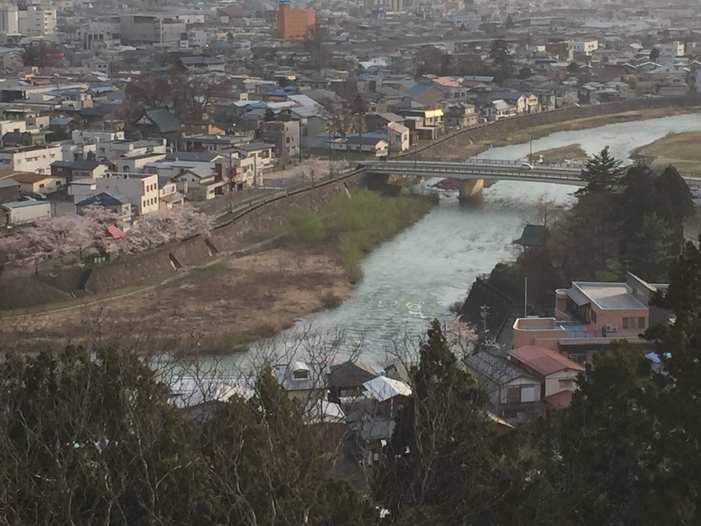 Overlooking a bend in the river in the city of Yokote. From this vantage point you can be reminded to pray for all the people who need to hear about the love of Jesus.